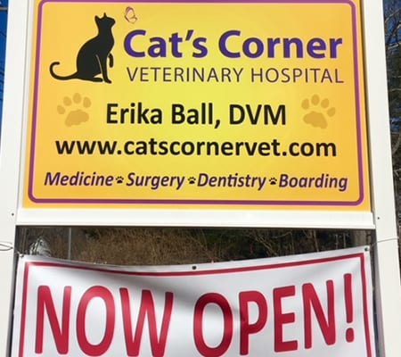 Cat's Corner Veterinary Hospital sign